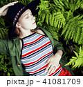 ブロンド 金髪 シダの写真 41081709