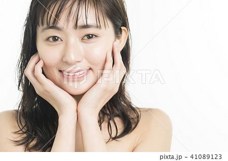 女性 ビューティーシリーズ 表情 41089123