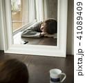 女性 若い女性 寝るの写真 41089409