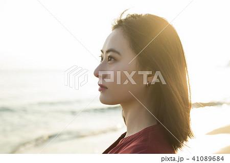 女性 海岸 41089684