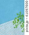 屋根 屋根瓦 青紅葉のイラスト 41097600