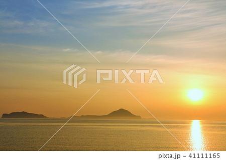 大分県 夜明けの太陽と姫島 41111165