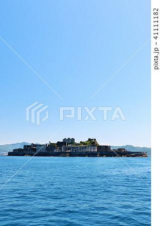 長崎県 青空の軍艦島 41111182