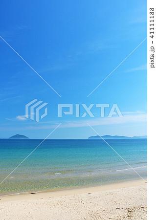 福岡県 青空と青い海の玄界灘 41111188
