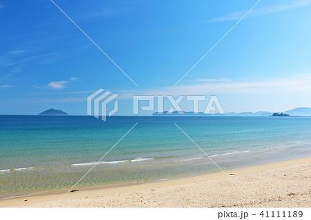福岡県 青空と青い海の玄界灘 41111189