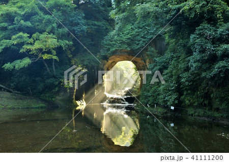 千葉県 濃溝の滝と光のハート 41111200