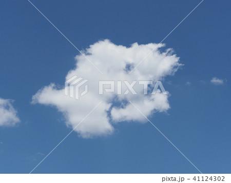 青空と白い雲 41124302