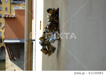 イタリア ヴェッキオ橋と鍵 Italy Ponte Vecchio and keys 41130983