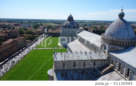 イタリア ピサの斜塔頂上からのピサ大聖堂 Italy Pisa cathedral 41130984