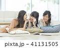 女性 友達 大学生の写真 41131505