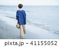 女性 歩く ビーチの写真 41155052