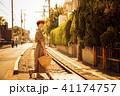 女性 旅行 鎌倉 夕方 ショートトリップ 散策 散歩 一人旅 41174757