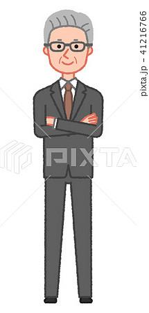 スーツ 笑顔で腕組みをするシニア男性 41216766