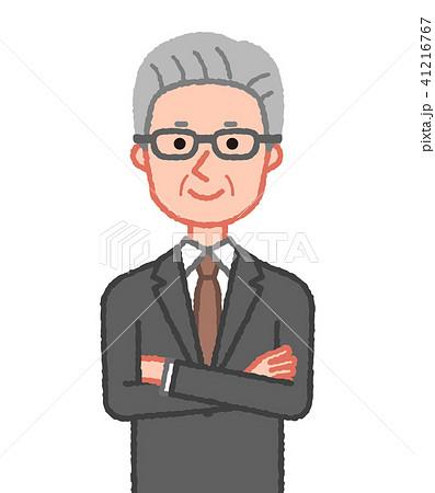 スーツ 笑顔で腕組みをするシニア男性 41216767