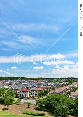 青空の新興住宅街 41217496