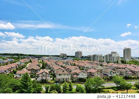 青空の新興住宅街 41217498