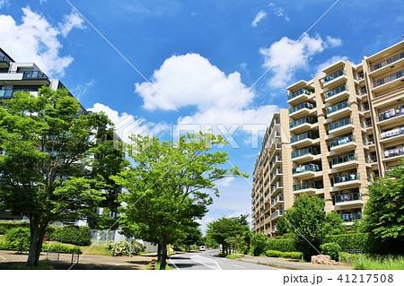 青空のマンション街 41217508