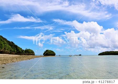 沖縄 青空の川平湾 41278817