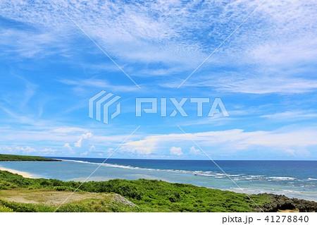 沖縄 青空と大海原の波照間島 41278840