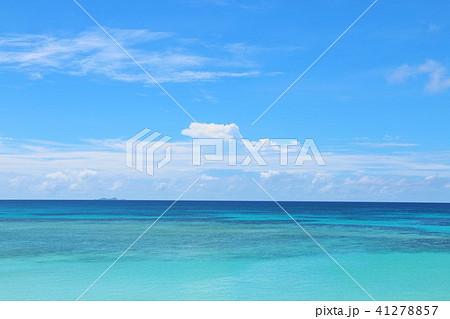 沖縄 青空と青い海 41278857