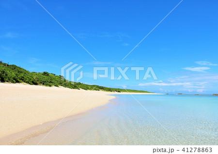 沖縄 青空と青い海の波照間島 41278863