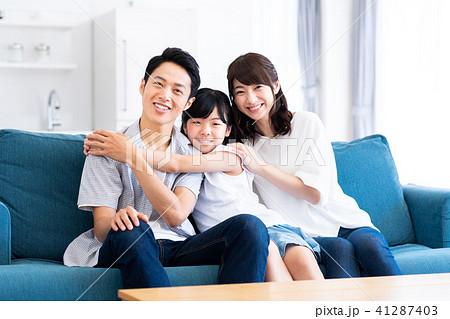 若い家族 41287403
