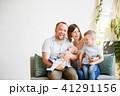 ファミリー 家族 親の写真 41291156