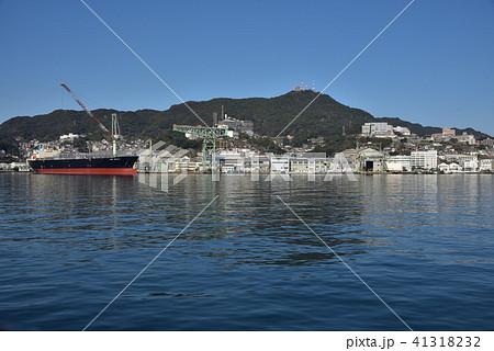 長崎港から見る稲佐山 41318232