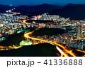 韓国の道路と街並みの夜景 41336888