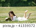 女性 レディ 草の写真 41339372