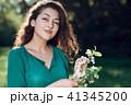 ポートレート 女 女の人の写真 41345200