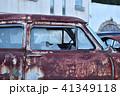 廃車になったアメ車 割れたガラス 41349118