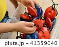 カスタネットを持つ子供の手 41359040