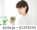 女性 スムージー 野菜ジュースの写真 41359243