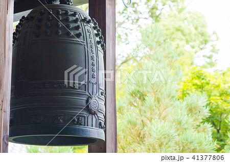 京都 龍安寺 室内の鐘 41377806