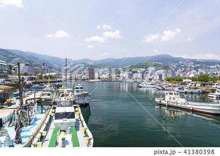 初夏の熱海港 41380398