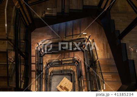 東京ステーションギャラリーの螺旋階段 41385234