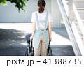 介護 車椅子 女性 41388735