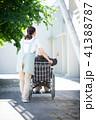 介護 車椅子 女性 41388787