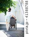 介護 車椅子 女性 41388788