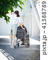 介護 車椅子 女性 41388789