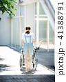 介護 車椅子 女性 41388791