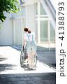 介護 車椅子 女性 41388793