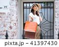 ショッピング 女性 買い物の写真 41397430