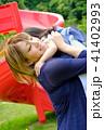 若い母親と女の子 41402993