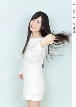 若い女性 ヘアスタイル 41408391
