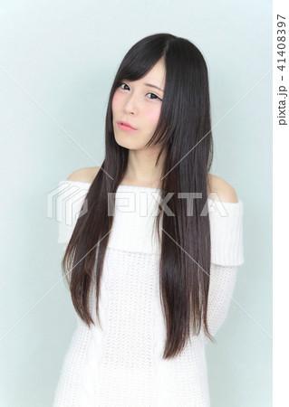 若い女性 ヘアスタイル 41408397