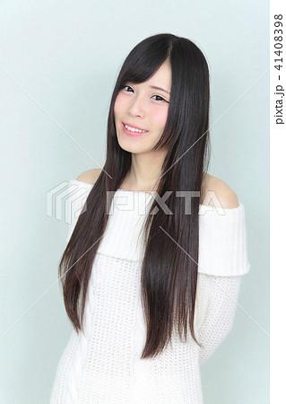 若い女性 ヘアスタイル 41408398