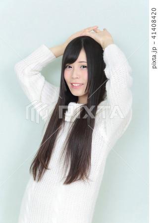 若い女性 ヘアスタイル 41408420