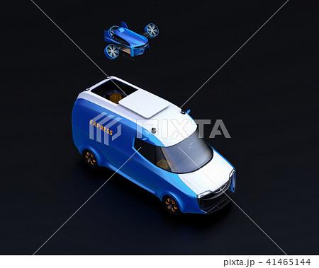 宅配ドローンが電動デリバリーバンから飛び立つイメージ。黒背景。 41465144